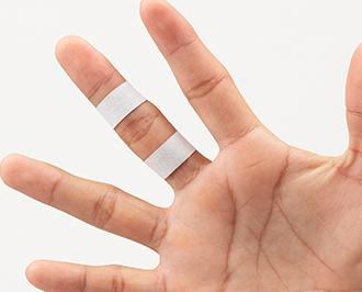 指 : 指を伸ばすと痛い時   テー...